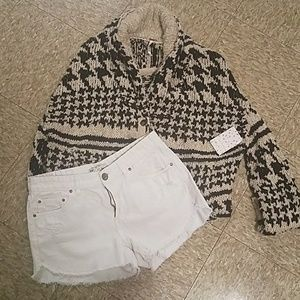 NWT Free People size M 2 button sweater